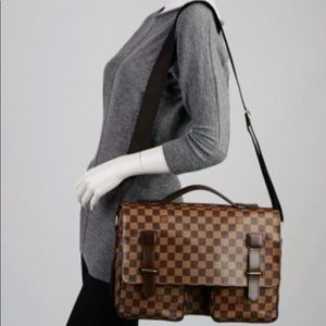 LOUIS VUITTON Damier Ebene Broadway Messenger Bag